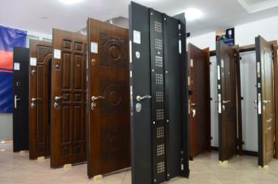 Фото - стальные входные двери в России