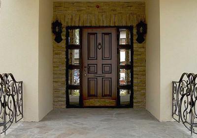 Фото внешнего вида двери