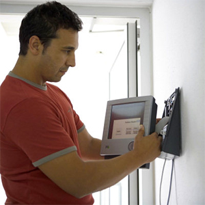 Как установить видеодомофон